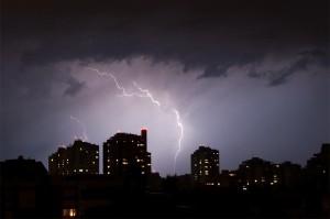 In der Nacht auf Sonntag dürften verbreitet Gewitter auftreten