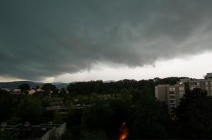 Aufziehendes Hagelgewitter südlich von Bern am 28.07.2013, 19:07 Uhr