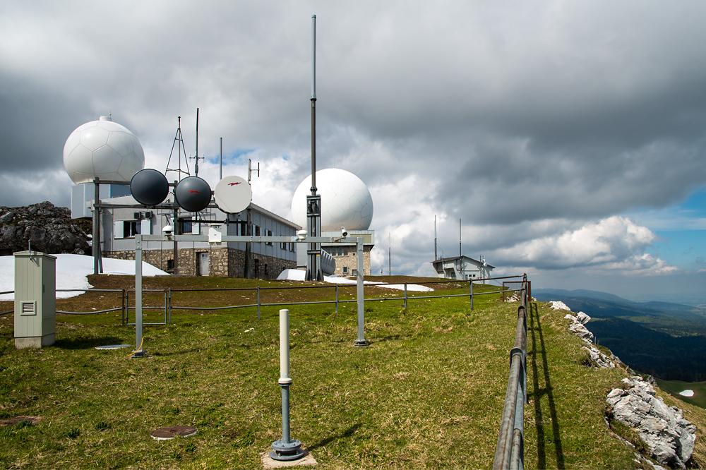 Wetterstation und Radaranlage La Dôle (Quelle: fotometeo.ch, 27.05.2013)