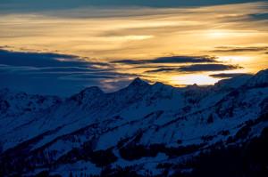 Föhnige Stimmungen über den Alpen werden uns auch in den nächsten Tagen erhalten bleiben.