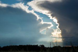 Auf die Drohkulisse in den Wetterkarten folgt jene am Himmel